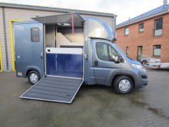 Compact Stall
